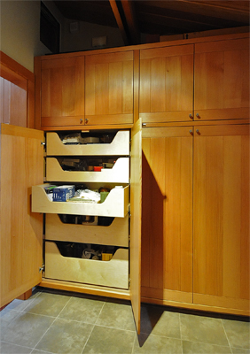20-utility-hall-cupboard-show-copy